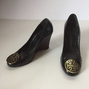 231100ff9992d7 Tory Burch Patent Leather Wedge Heels